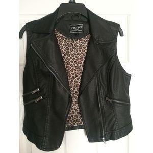 Jackets & Blazers - Sleeveless Leather Jacket